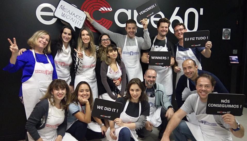 Fefe Rosada comemorando seu aniversário no escape 60
