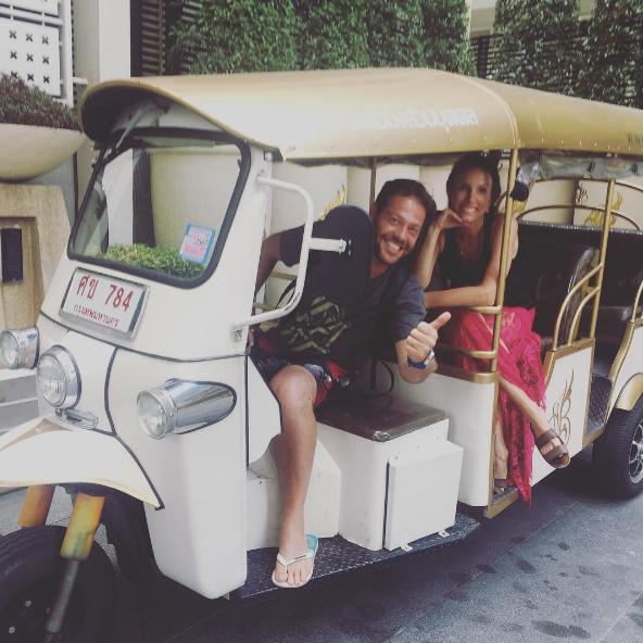 Post: Saia da Rotina! Fefê Rosada do Blog Up na Vidinha andando de Tuktuk.